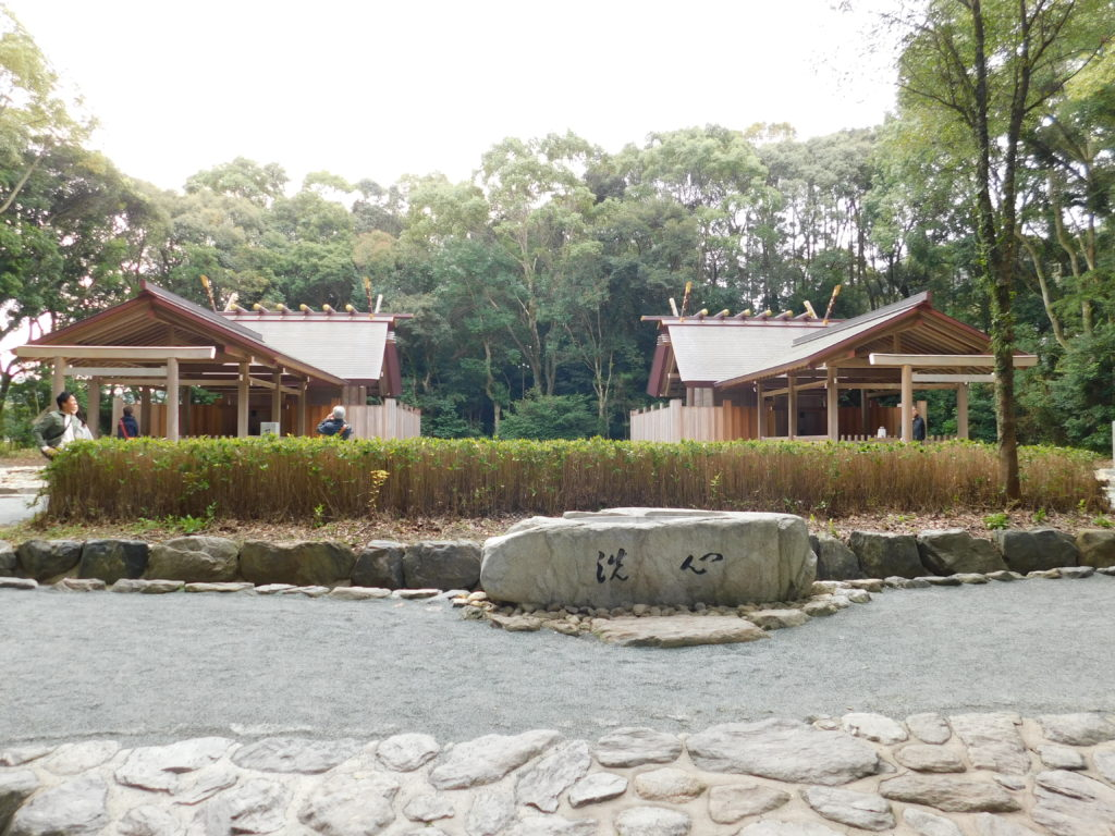 宗像大社の辺津宮でも「沖津宮」と「中津宮」の参拝が出来ます