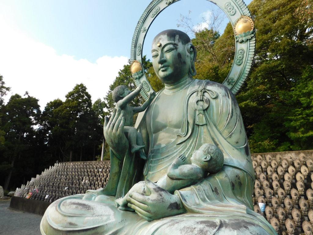宗像三女神の「本地仏(ほんじぶつ)」がある「鎮国寺」